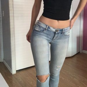 AMERICAN EAGLE: Low- Rise Jegging